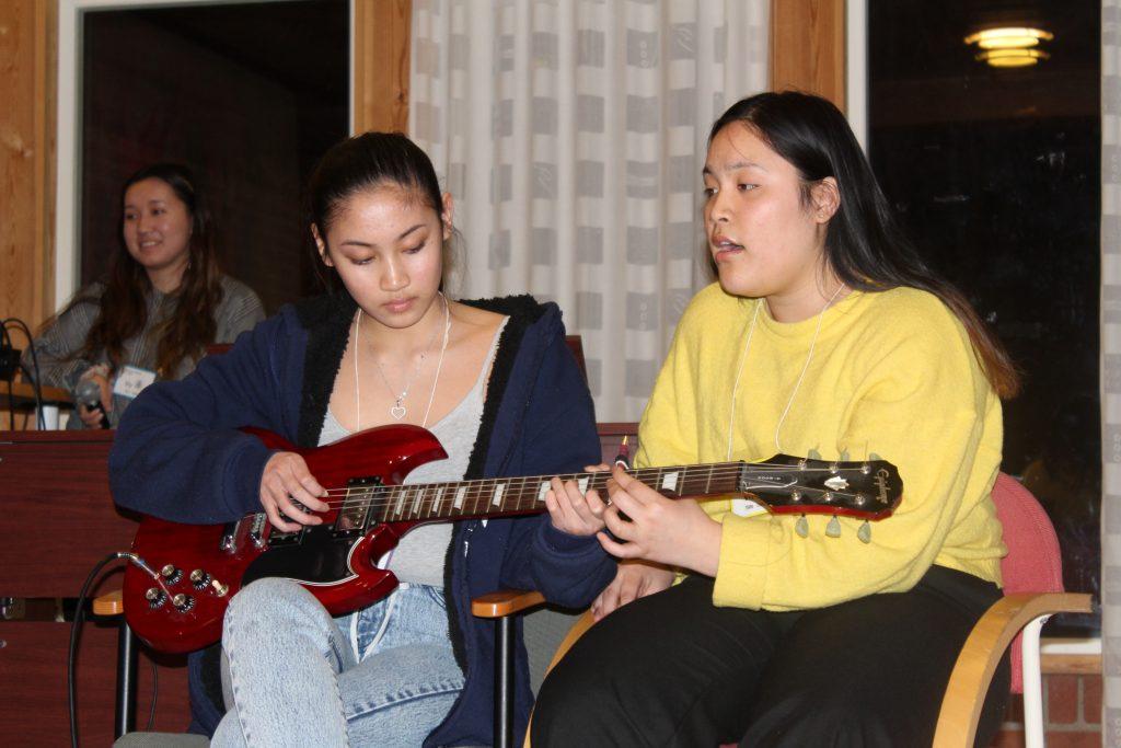 Påske+, Mariaholm gitar